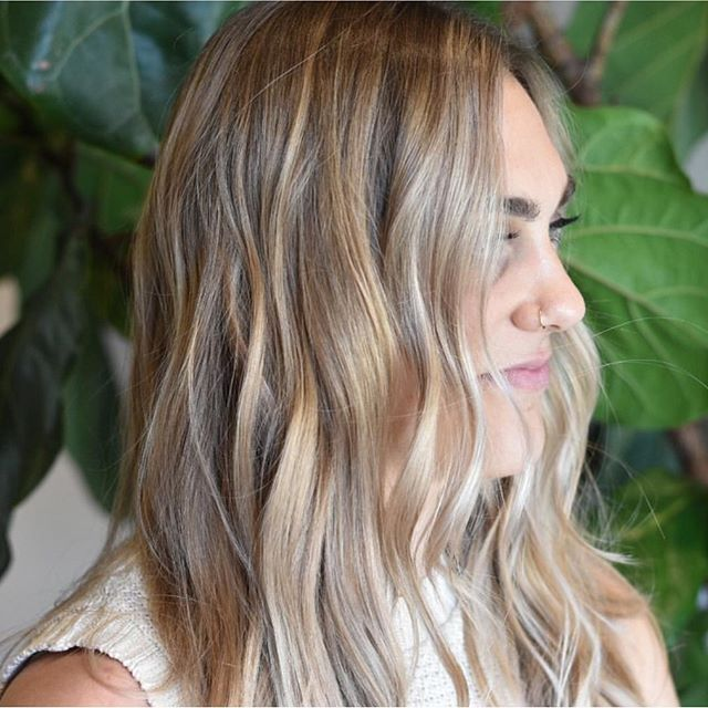 ✨Ready for summer with this california blonde by @haircolorsf cut and style by @oscar.hair #sfhair #sfbalayage #californiablonde #sfhairsalon #oribe #randco