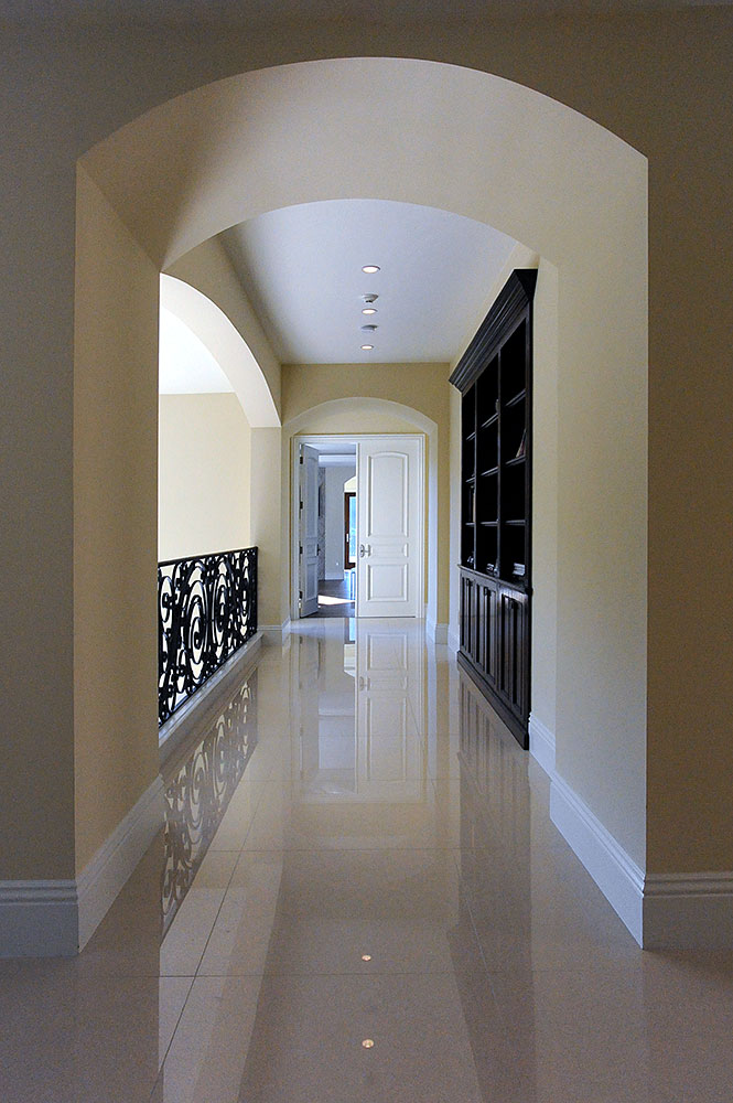 MtOlym_INT-50_Hallway.jpg