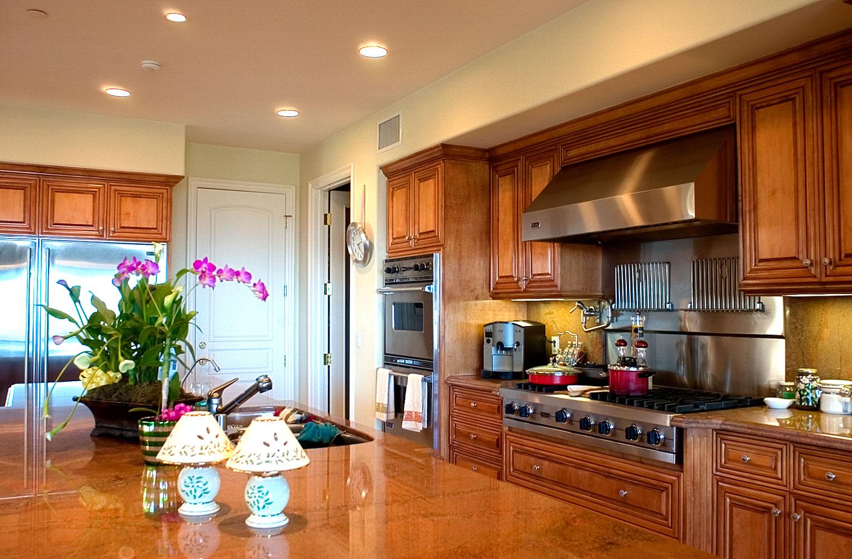 kitchen_01T.jpg