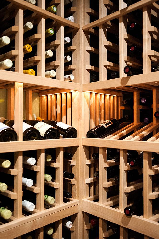 Lopresti_INT20_wine.jpg