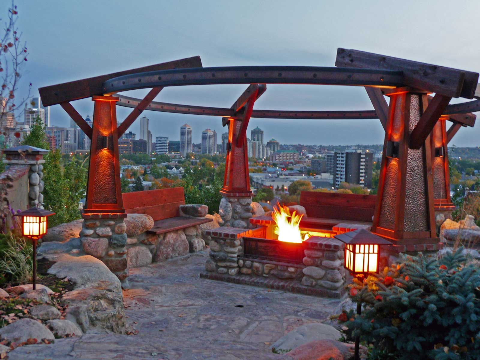 outdoor living area fire pit