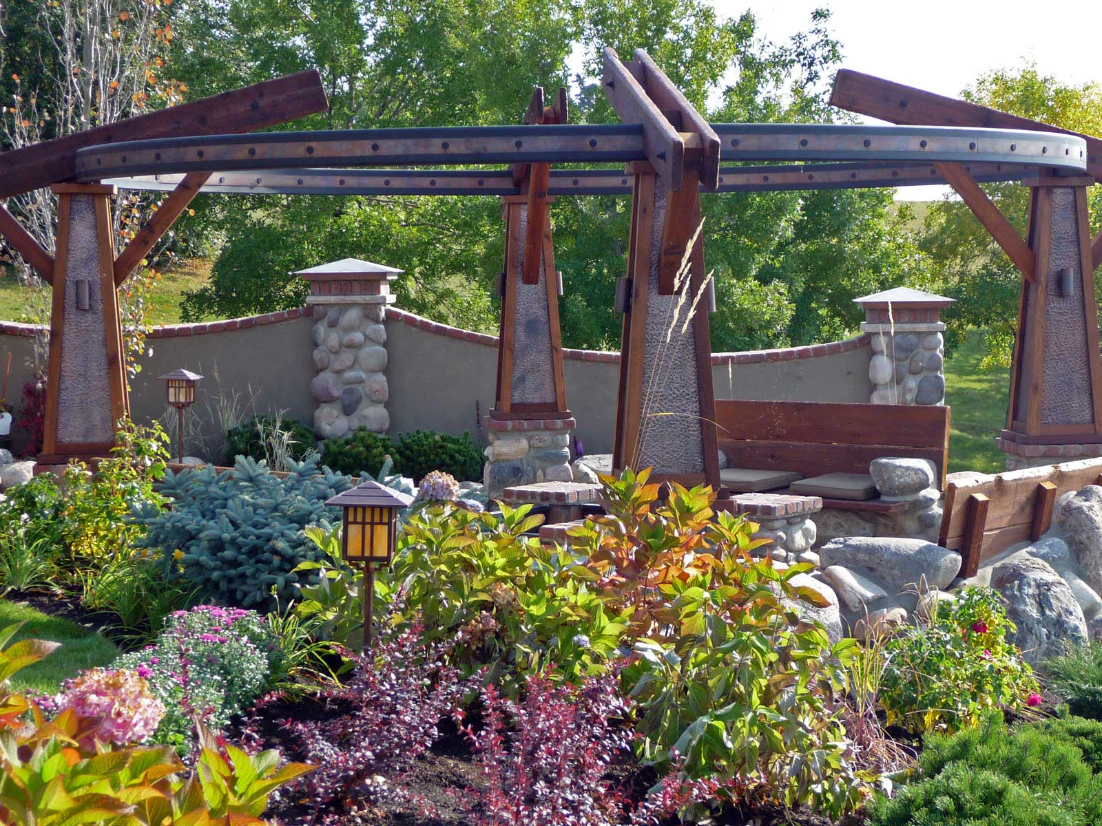 ddla design_rosedale-residence-1_14_side-view-of-fire-pit_firepit-evening.jpg