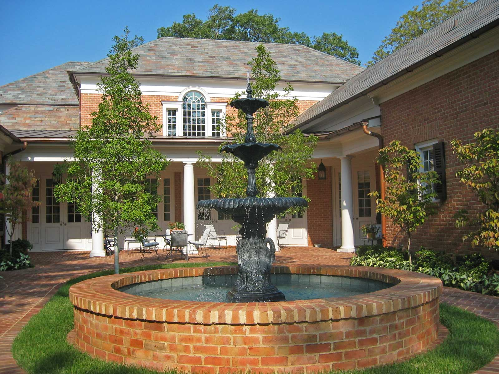 turtle-creek_fountain-&-garden1.jpg