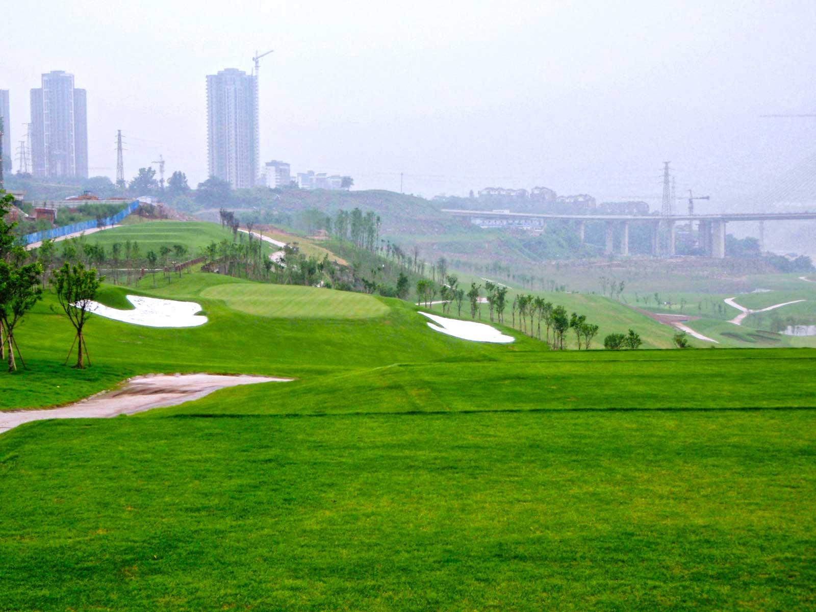 chongqing-riverview_golf-course-hole-2.jpg