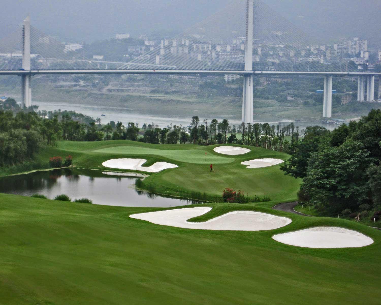 chongqing-riverview_golf-course_hole-x6.jpg