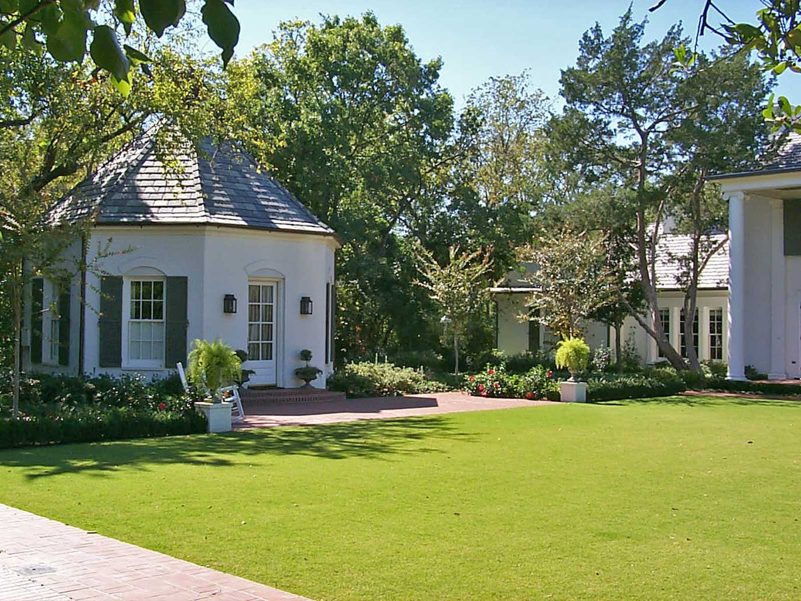 preston hollow formal lawn and garden