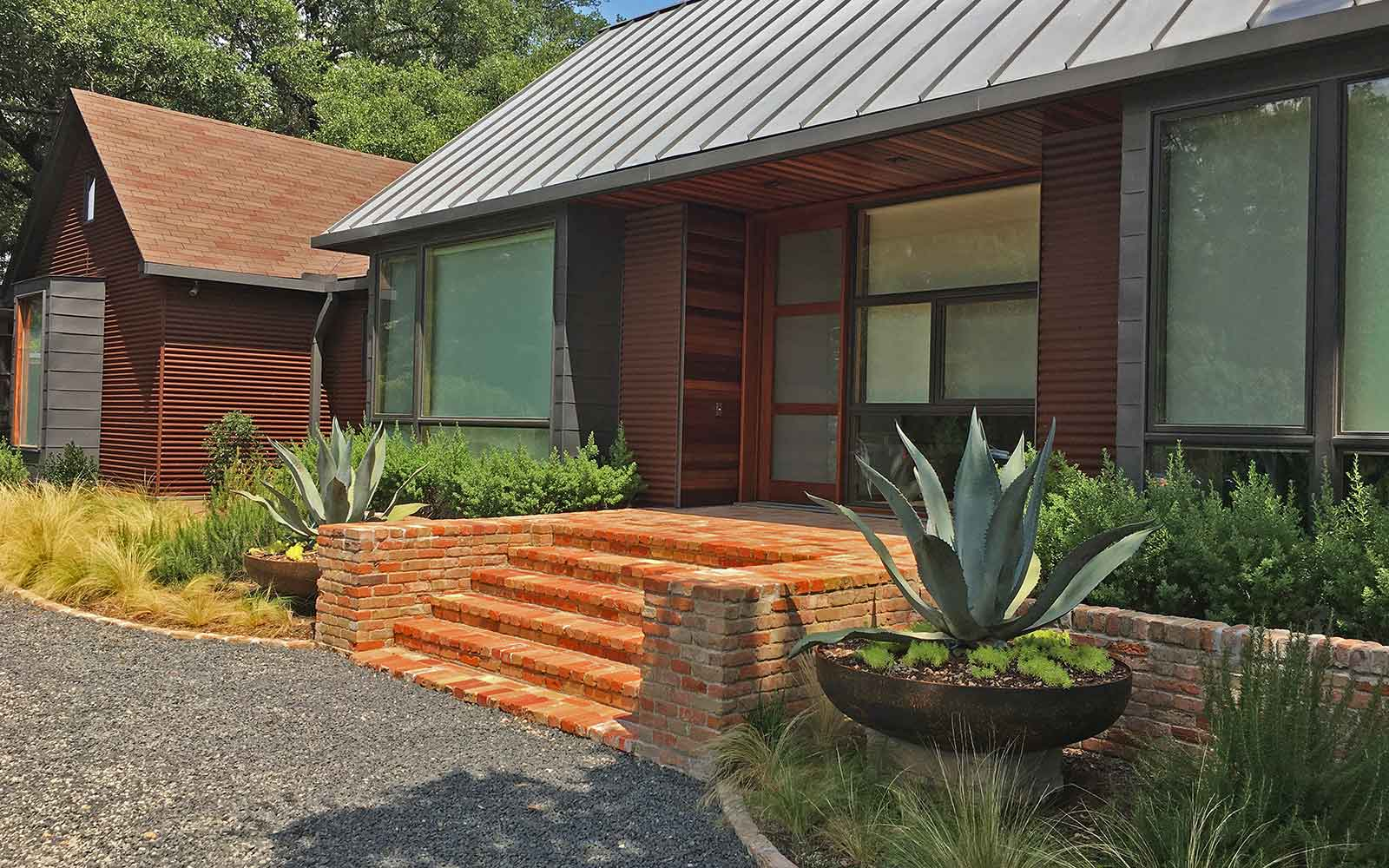 preston hollow drought-tolerant landscape design