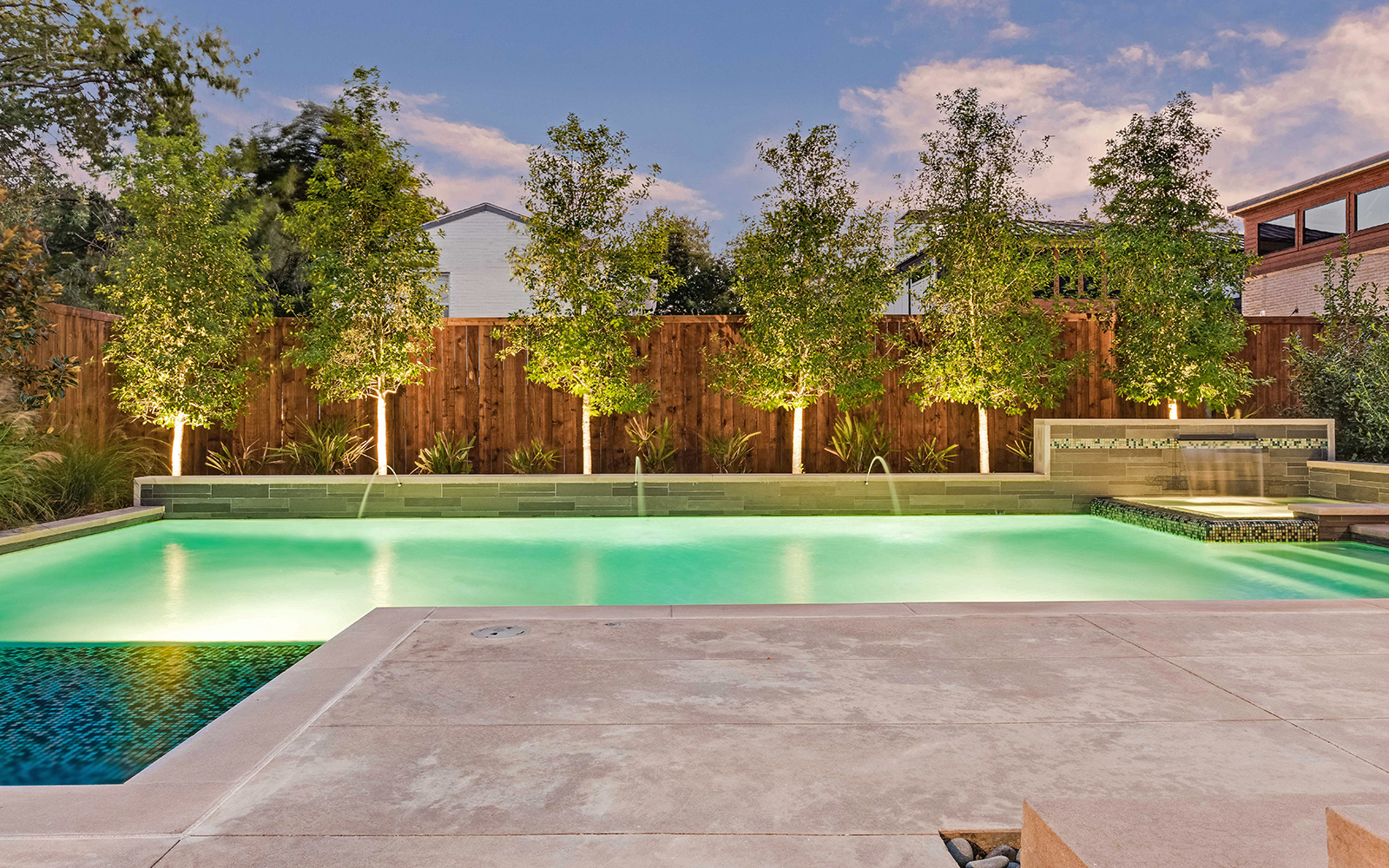 sunnyland-modern-pool-evening-terrace.jpg