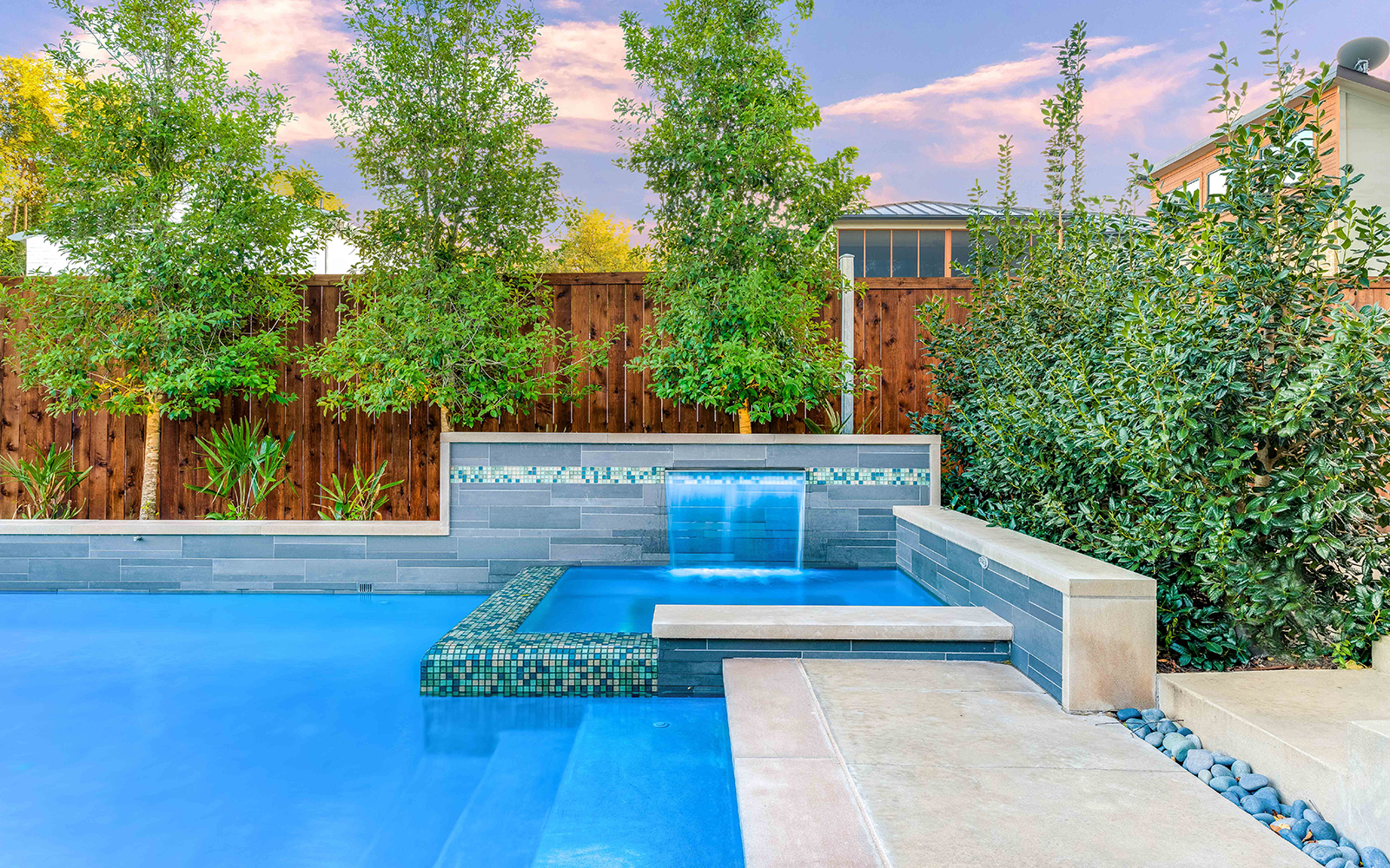 sunnyland-modern-pool-spa-fountain.jpg