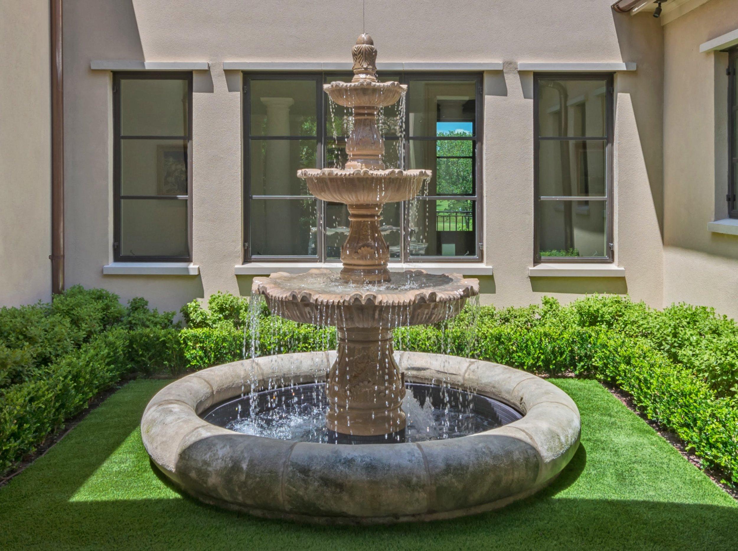 courtyard fountain (1).jpg