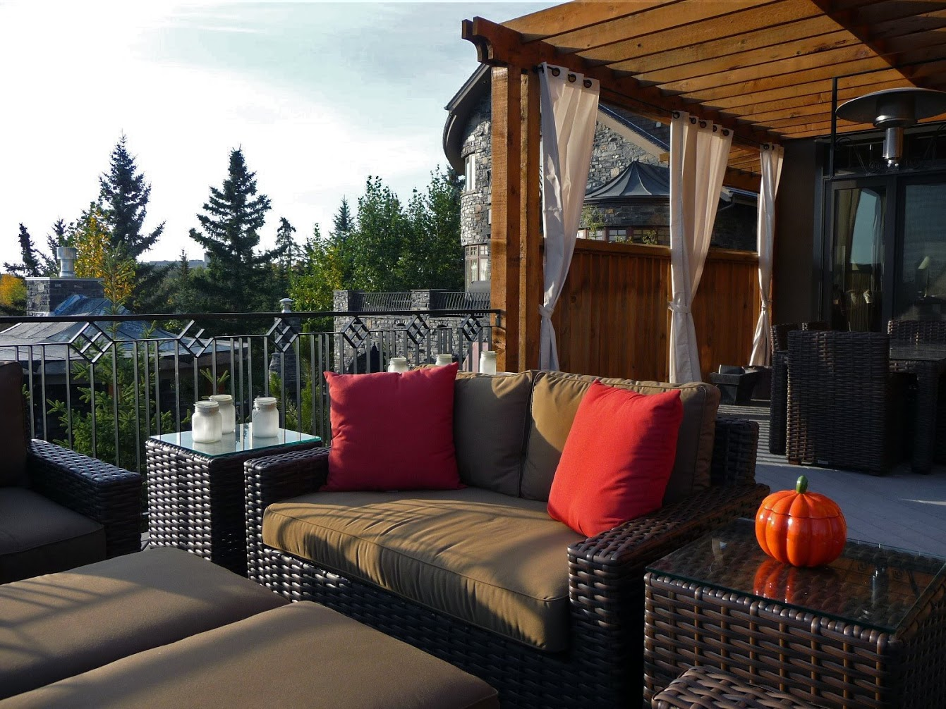 ddla-design-calgary-upper patio sitting area 2.jpg