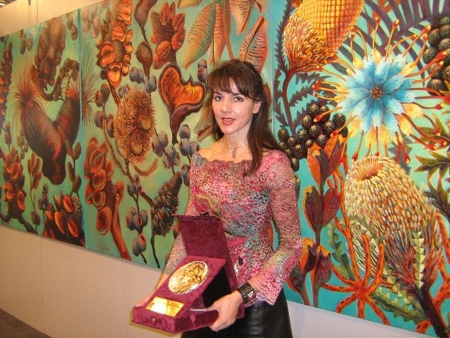 australian-artist-nafisa-naomi-next-to-her-work-awarded-first-prize-for-painting_2.jpg