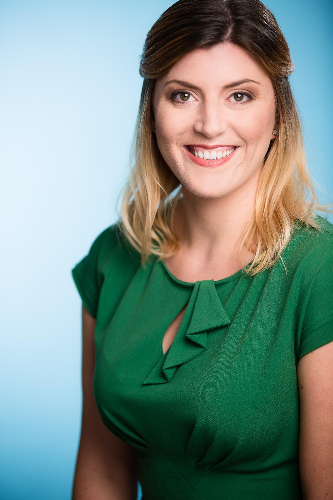 Lauren Thompson Headshots_275-Edit-WEB.jpg