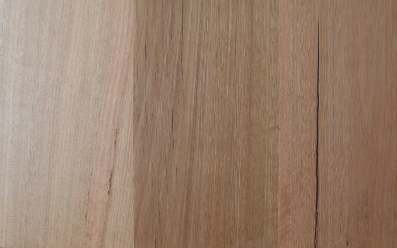 Messmate timber with low character level