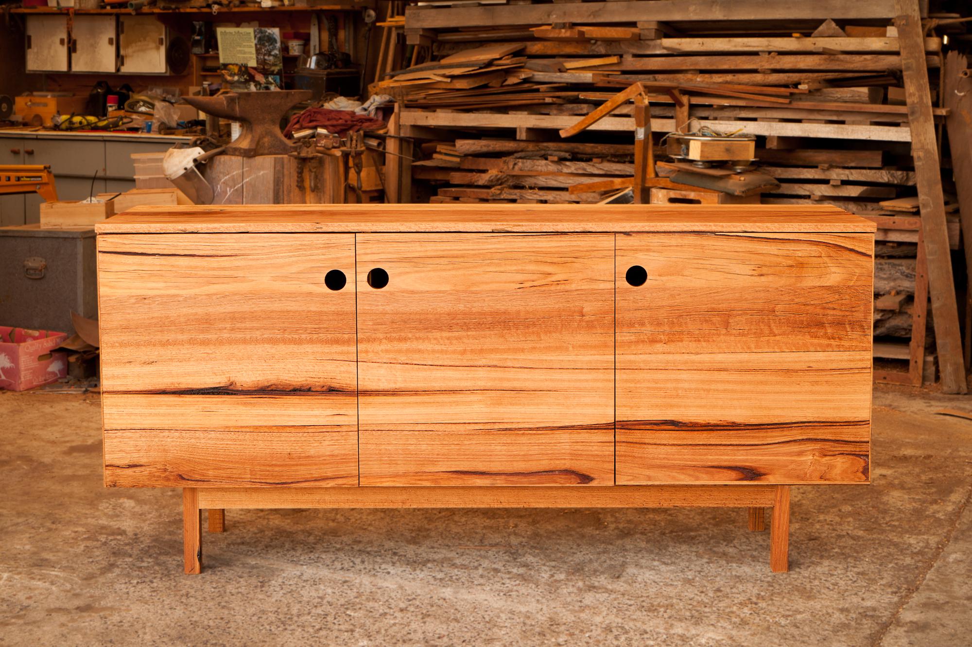 Medium timber tone variation