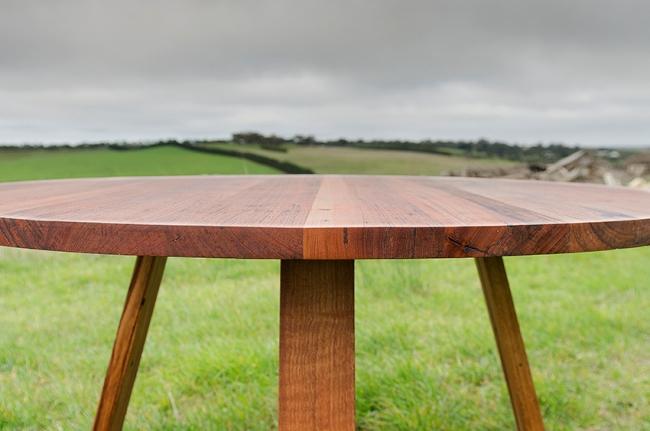 Bird Rock round dining table