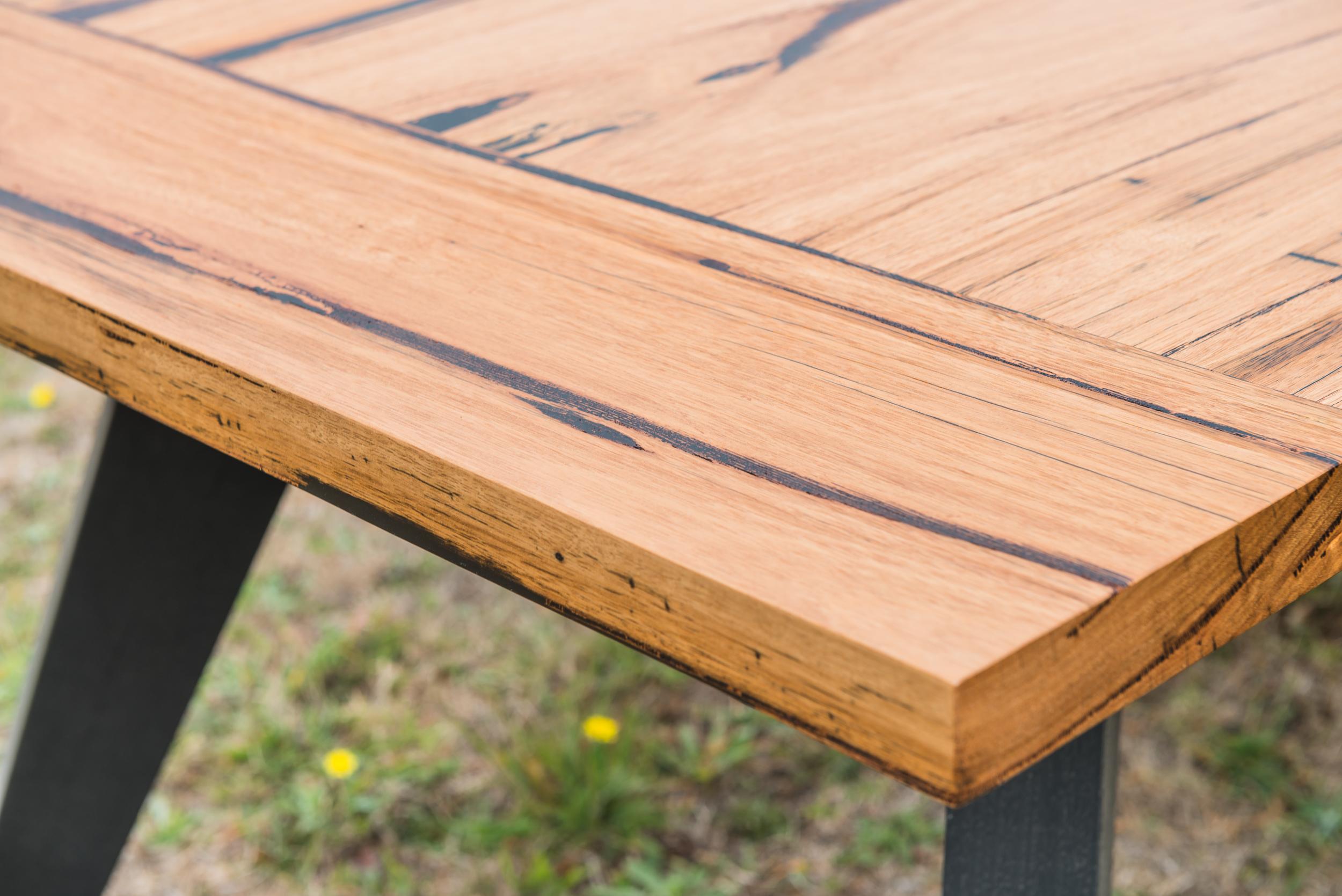 sap lines messmate timber
