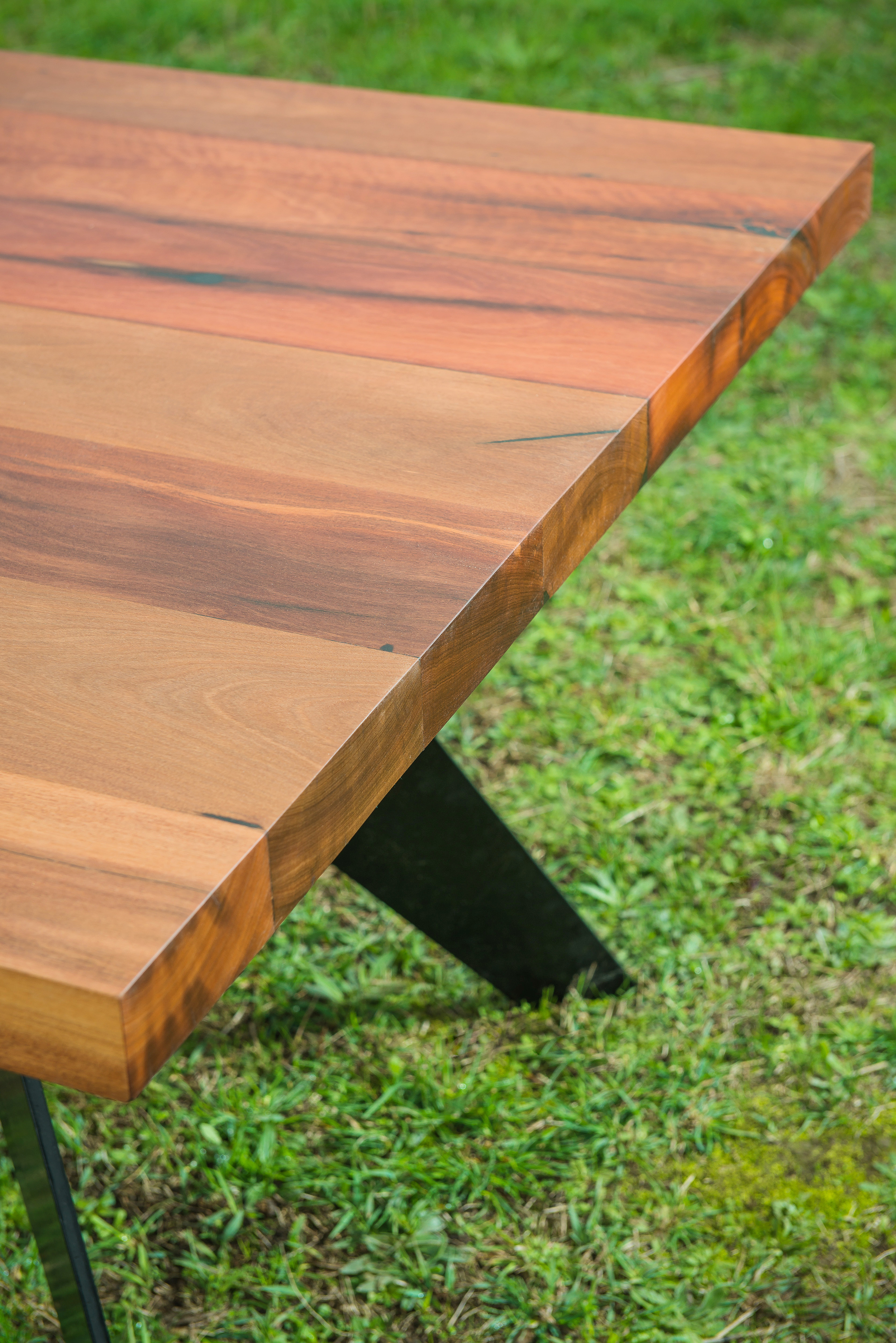 powder coated metal dining table