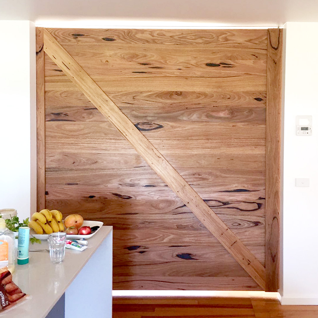 Messmate barn door