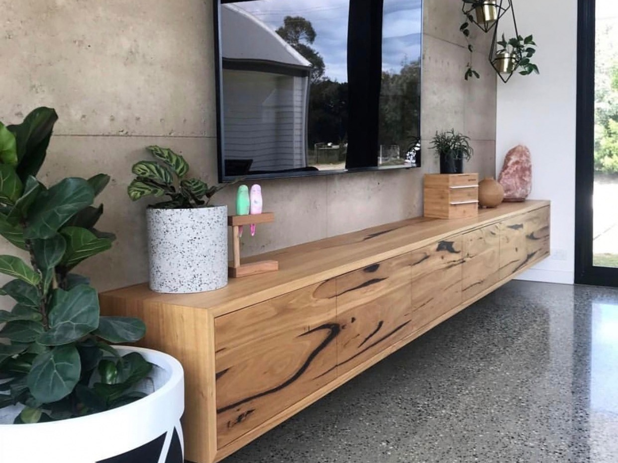 Wall Hung Tv Cabinet With Doors