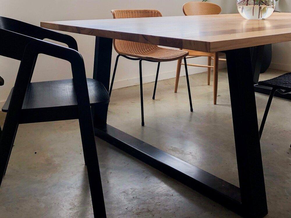 Showroom+Table+1.jpg