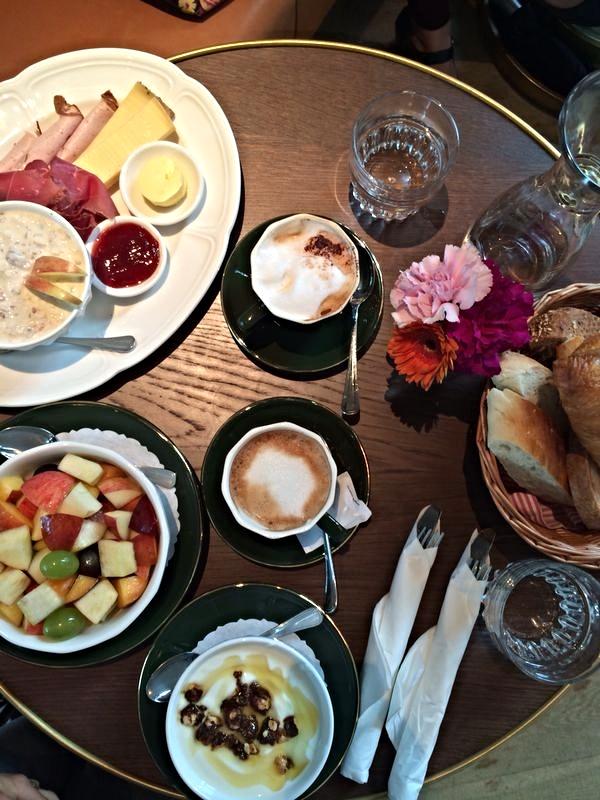 breakfast bebek.jpg