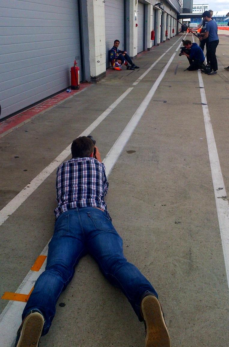 Shooting Daniel in the pit lane