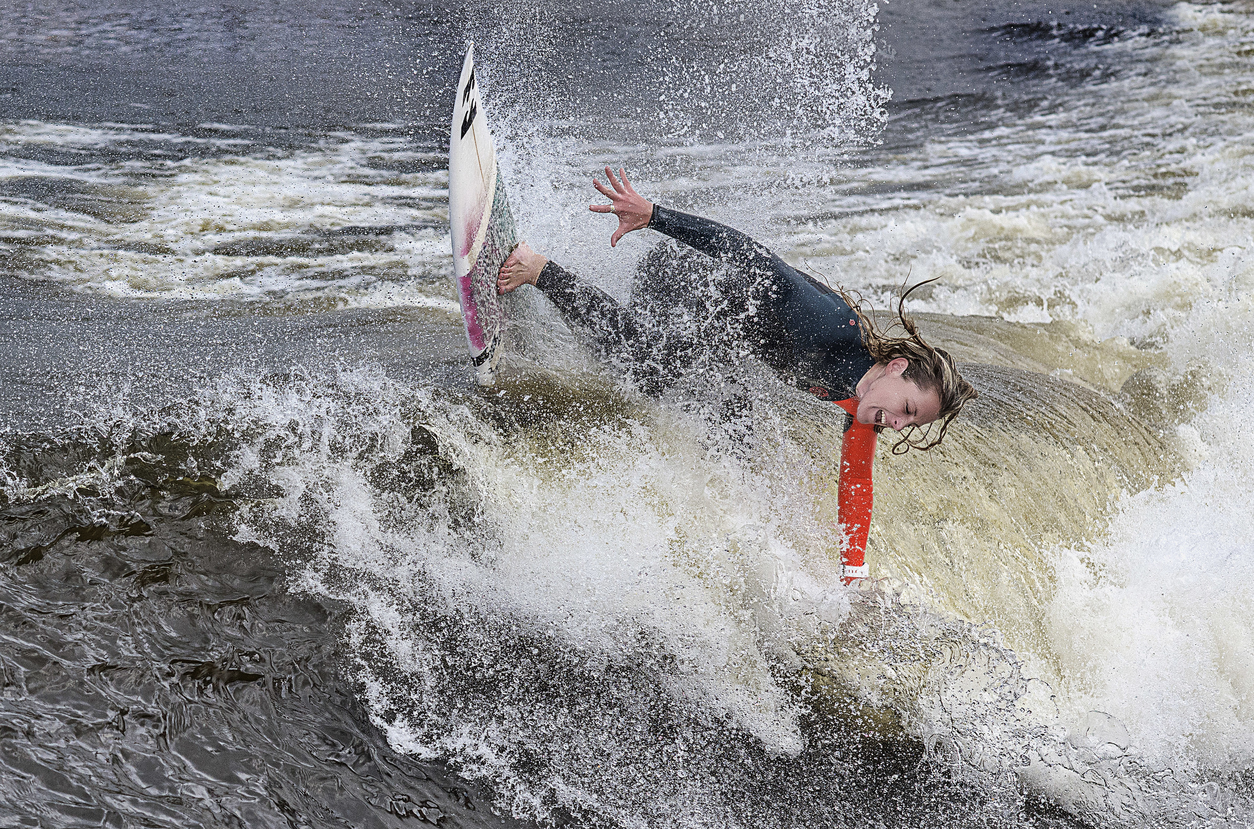 JO DENNISON AT SURF SNOWDONIA