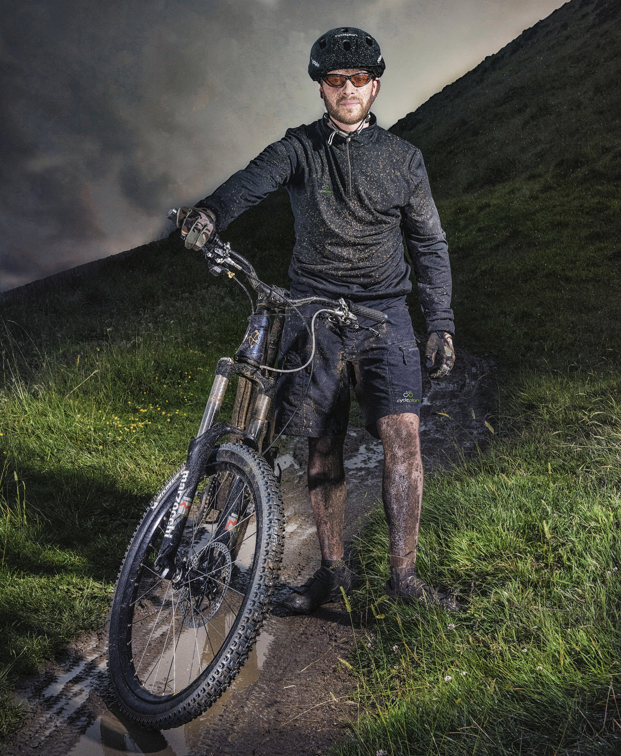 MOUNTAINBIKERPORTRAIT.jpg
