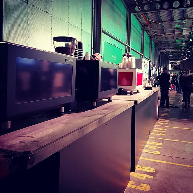 Caffeinating an army @quickbooks in the massive @printworkslondon with @kerbfood