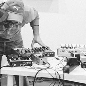 _noise/error   Experimentacion sonora  Galería Javier Silva | Valladolid | 2016