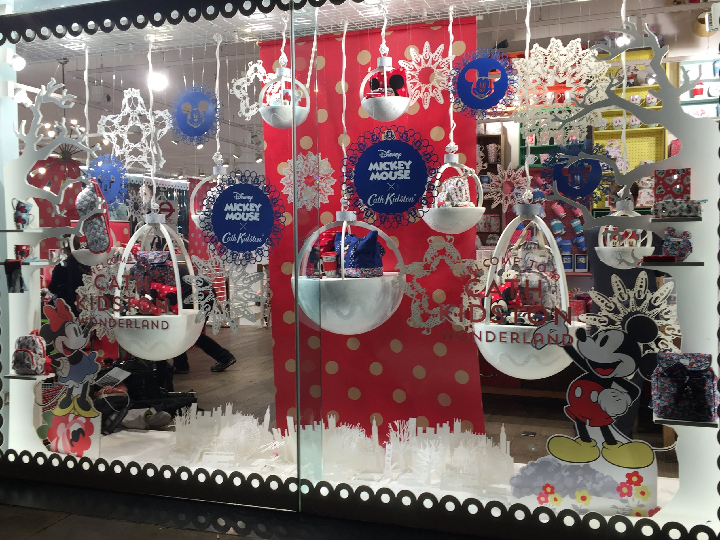 mickey-mouse-snowflakes.jpg