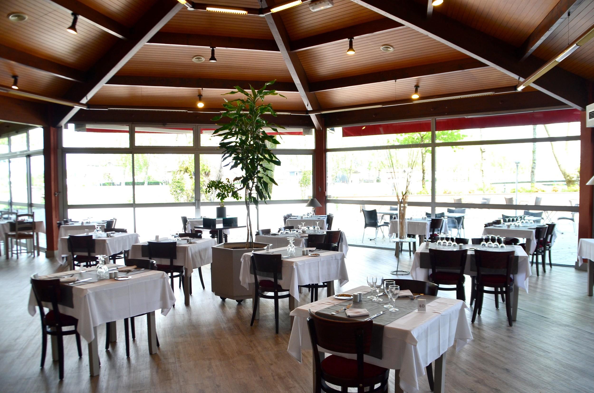 Dax Hotel - Restaurant 2.jpg