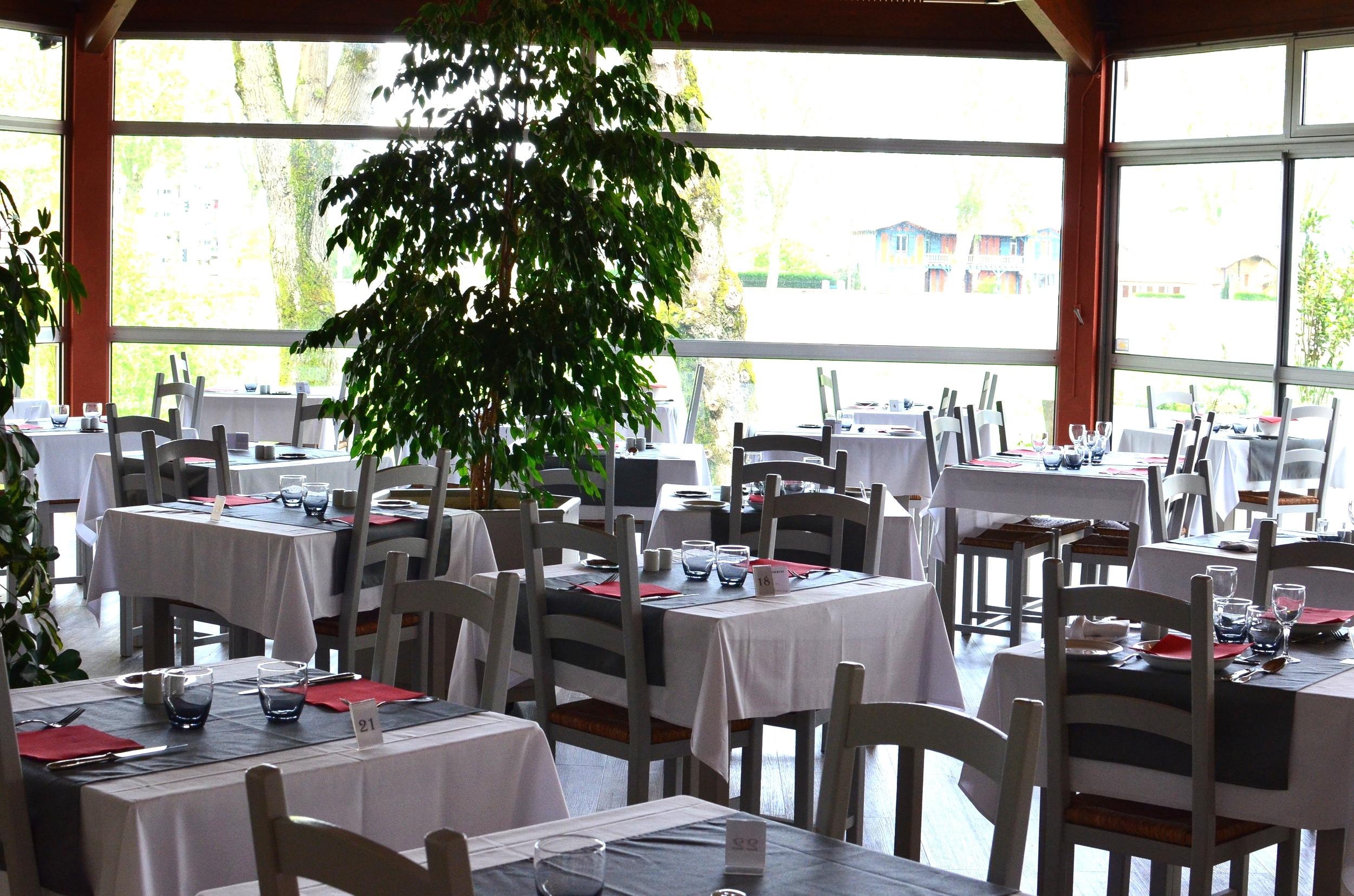 Dax Hotel - Restaurant 22.jpg