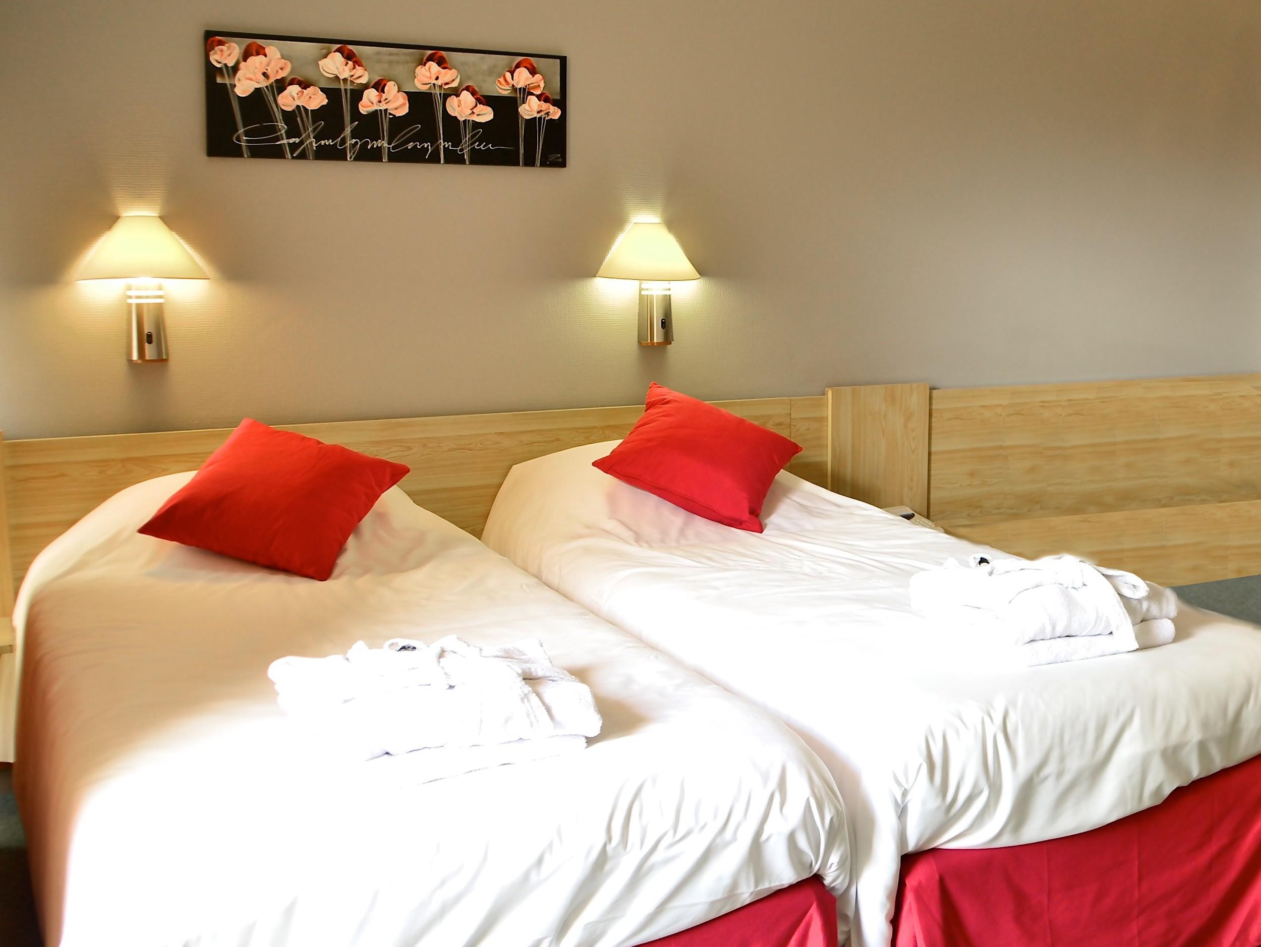 Dax Hotel - T1 Chambre 5 retouchée1.jpg