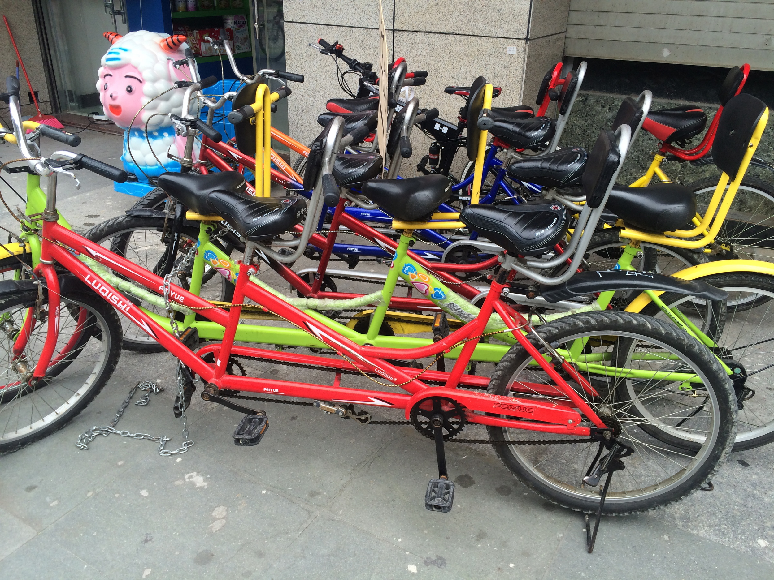 Not Just a tandem with 2 seat but also with 3.