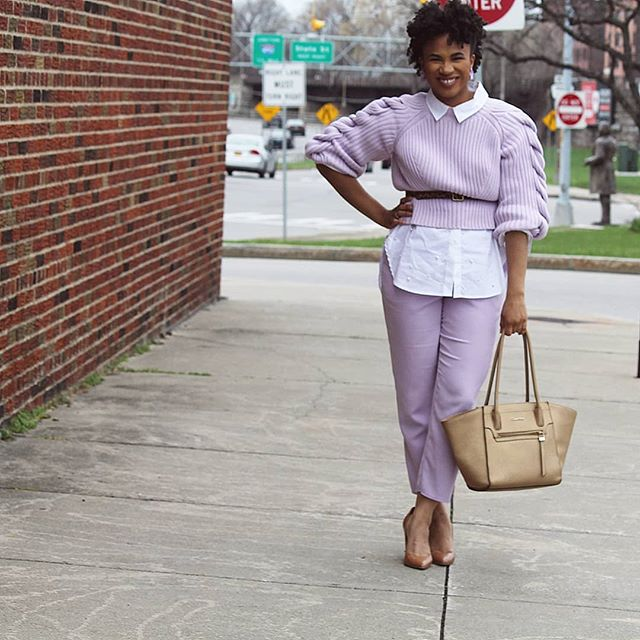I feel like my mother wore some version of this outfit in the 80s 😩 but that's not what we're here for. We're here to talk about @renttherunway and how I give them all of my moneys. I'm giving y'all a full review on the blog (#linkinbio) and a few tips for how to get the most from your subscription. Alphet/#ootd details will be there as well! www.jadorejoelle.com