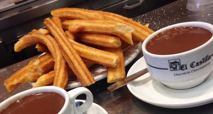 Muy recomendable el chocolate con churros de El Castillo. Foto:  Mercedes, de   Mer My Blog.