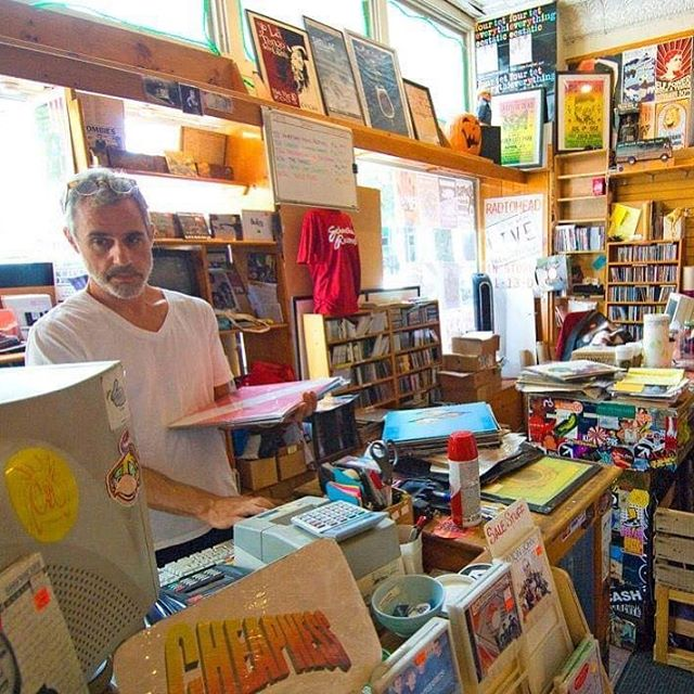 Ross Shapiro of The Glands at his record store in Athens, GA. New West Records will be reissuing The Glands 1997 Bar None debut next week alongside an album of unreleased material. #theglands #rossshapiro #schoolkidsrecords #athensga #newwestrecords #recordstore