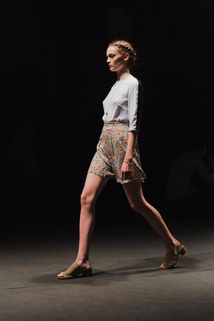 model-walk-parkshow-02