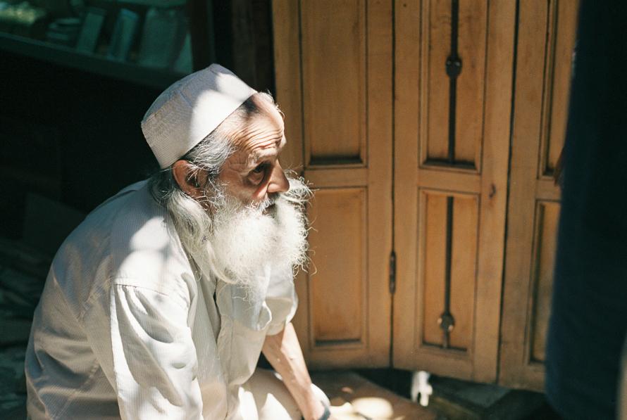 moroccon-man-in-fes.jpg