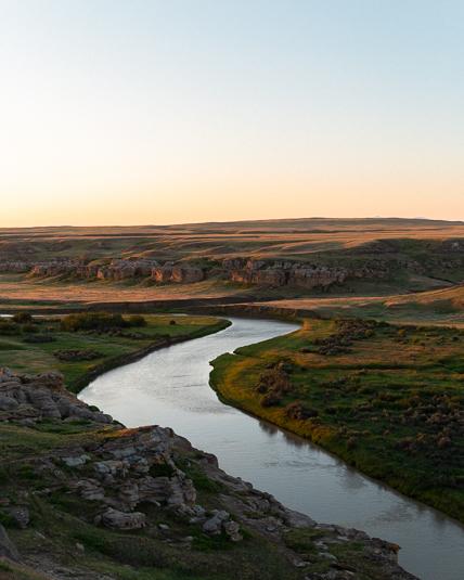 writing-on-stone-provincial-park-milk-river-sunrise.jpg