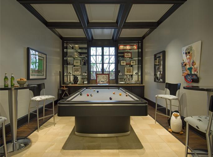Gentleman's Lounge
