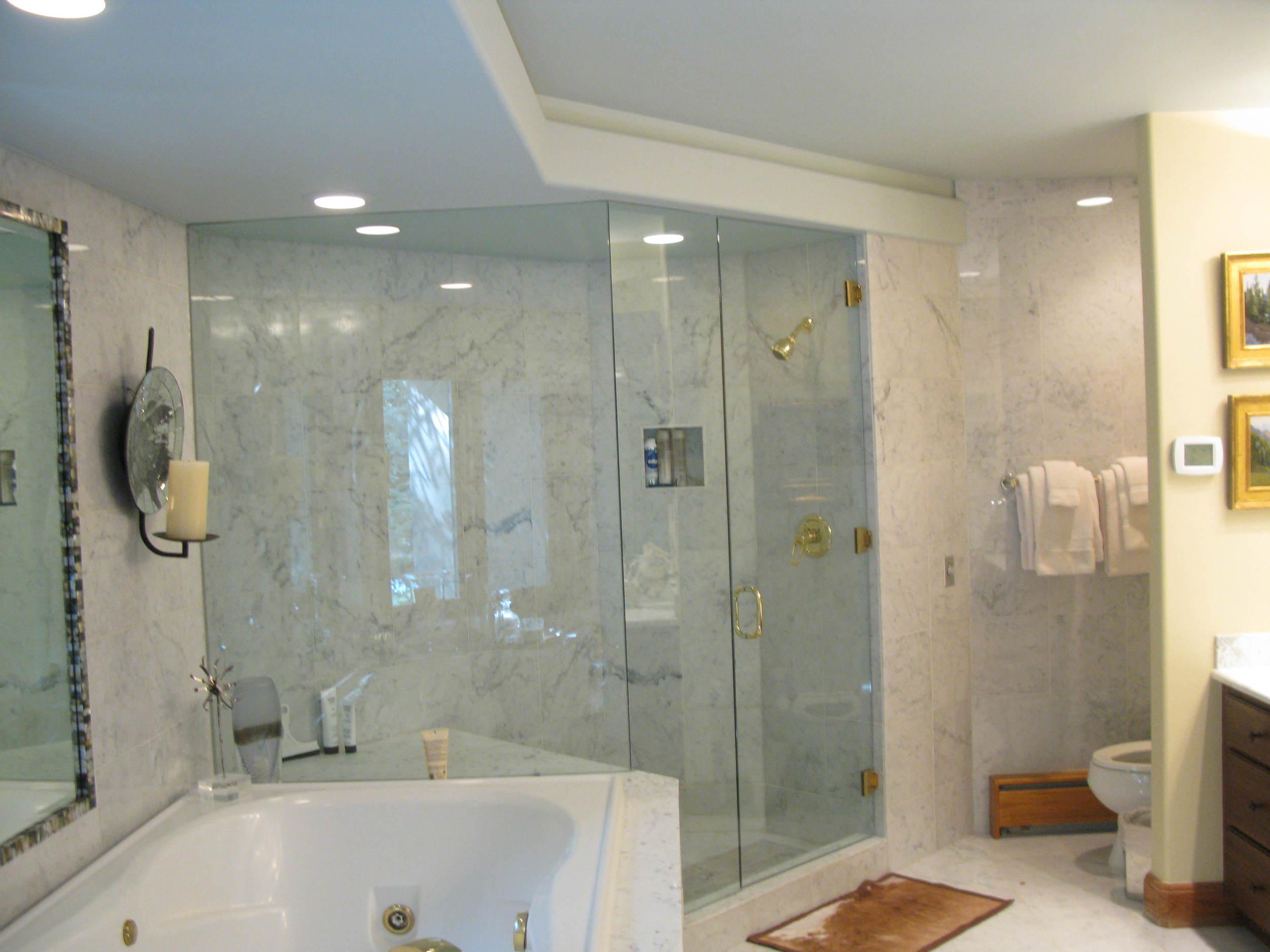Vail Getaway Master Bath Before