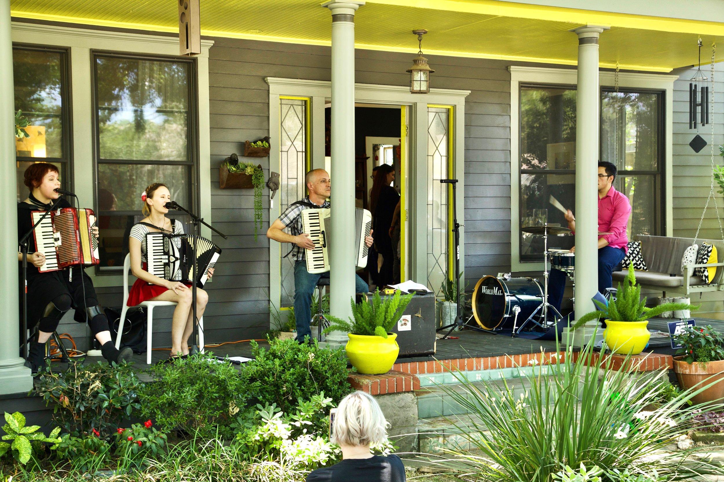 Porch Concert May 2017 19.jpg
