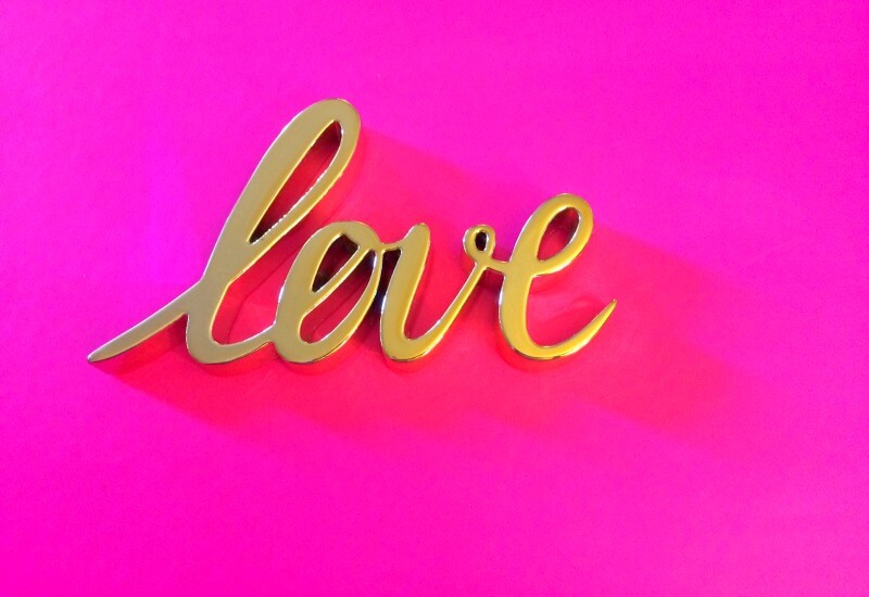 PINK_GOLD_LOVE_WORD_OF_THE_YEAR_2017.jpg