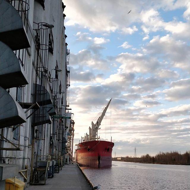 FEDERAL BARENTS  #thunderbay #thunderbayshipping #portofthunderbay #lakesuperior #bulkcarrier #fednav