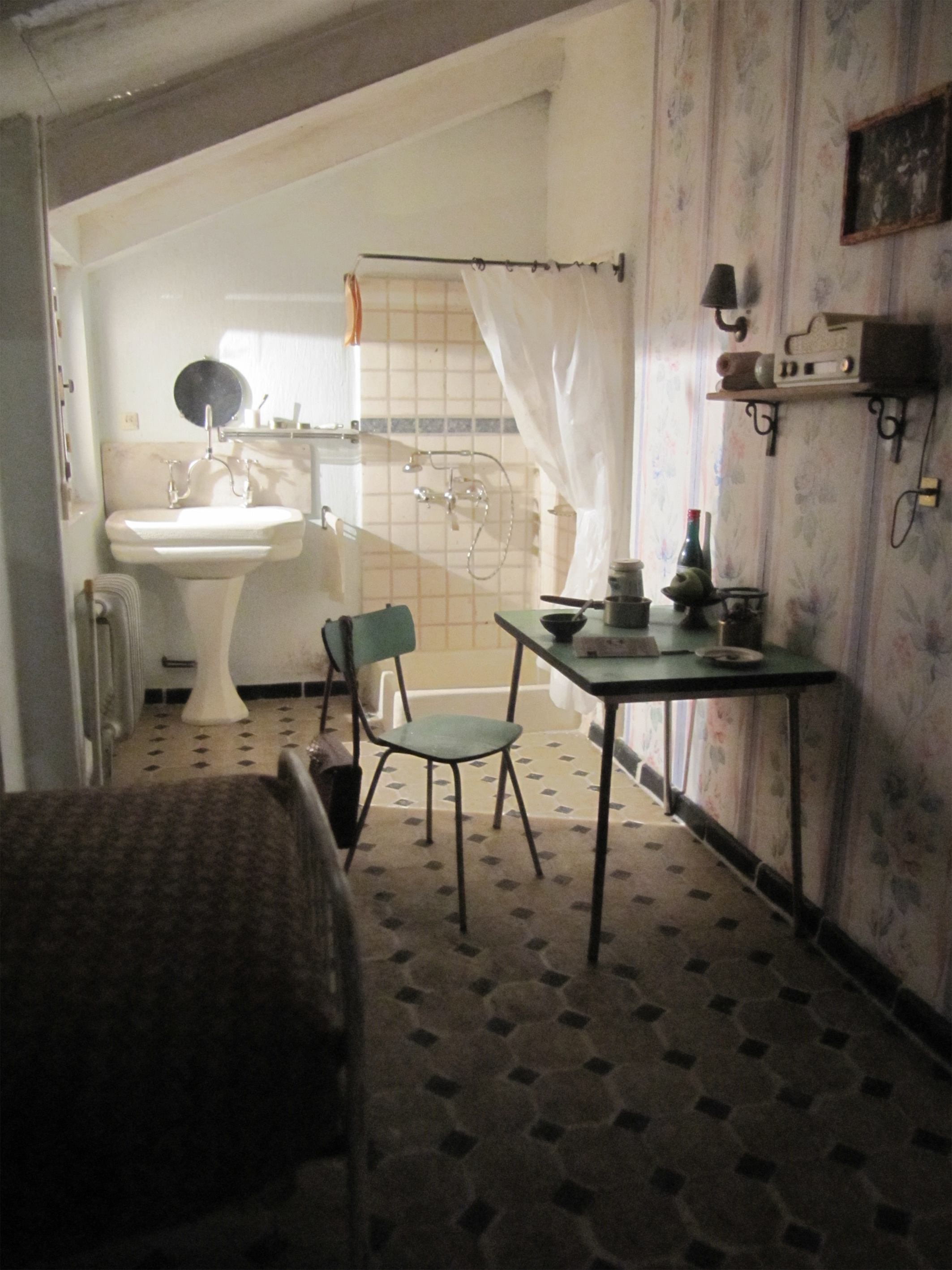 A typical chambre de bonne, usually 90-135 square feet.