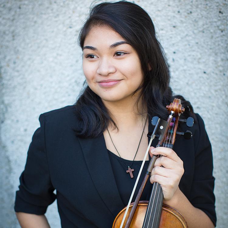 Isabel Lago, Violin