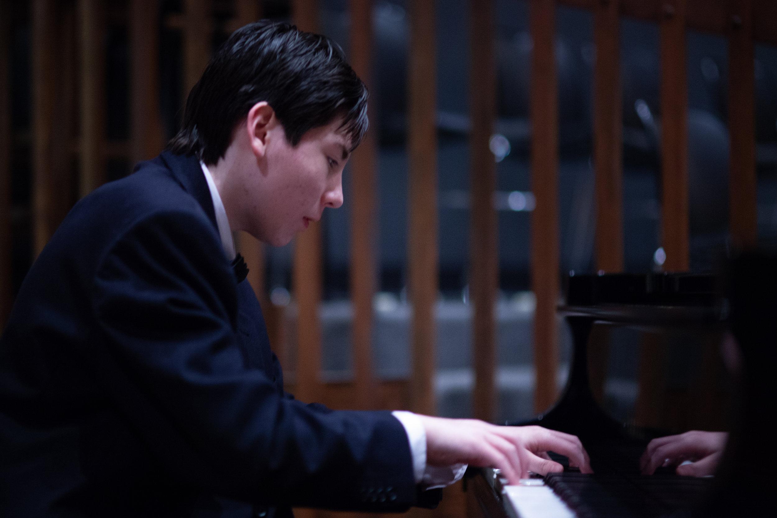 Joshua Tromans -钢琴